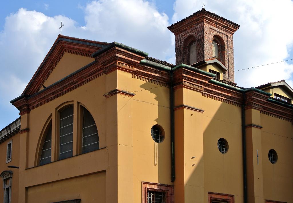 La chiesa di San Michele sul Dosso | Itinerari petrografici nell ...